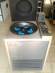 Refrigerated Low-Speed Floor Centrifuge - 1